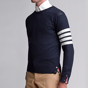 유럽직배송 톰브라운 풀오버 니트 네이비 THOM BROWNE CREWNECK PULLOVER WITH 4-BAR STRIPE IN NAVY MERINO