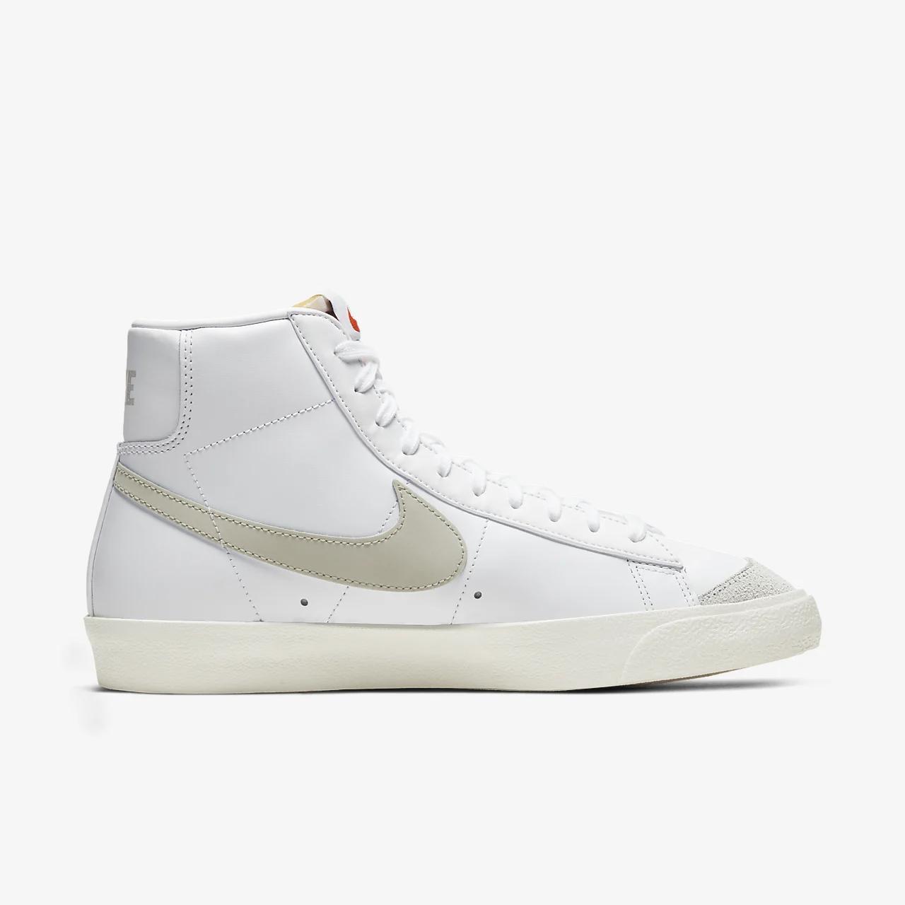 유럽직배송 나이키 NIKE Nike Blazer Mid '77 Vintage Shoe BQ6806-106