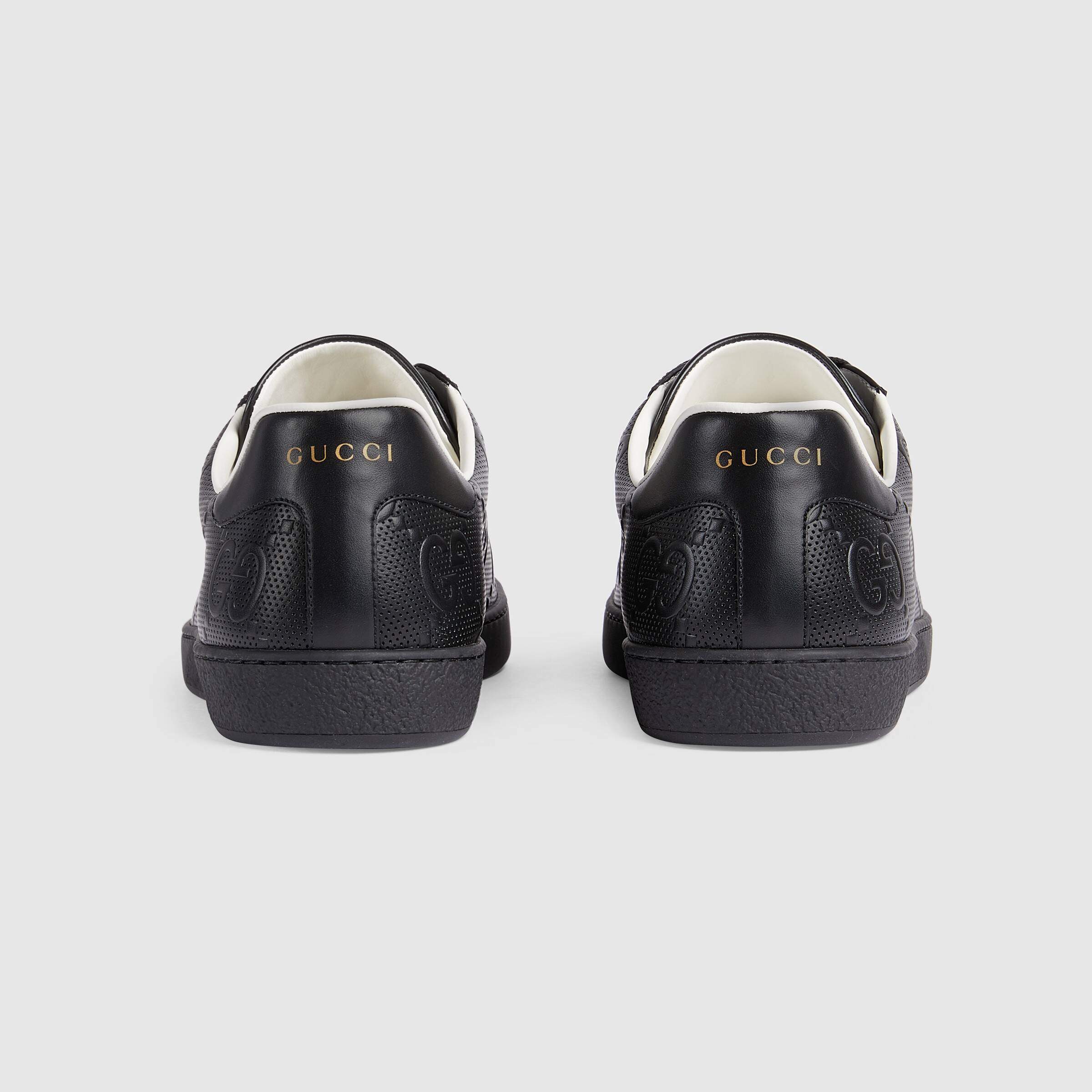 유럽직배송 구찌 GUCCI Gucci Men's Ace GG embossed sneaker 6257871XK101000