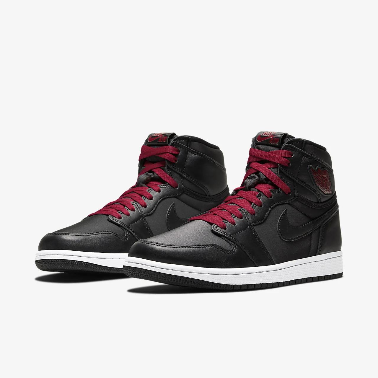 유럽직배송 나이키 NIKE Air Jordan 1 Retro High OG Shoe 555088-060