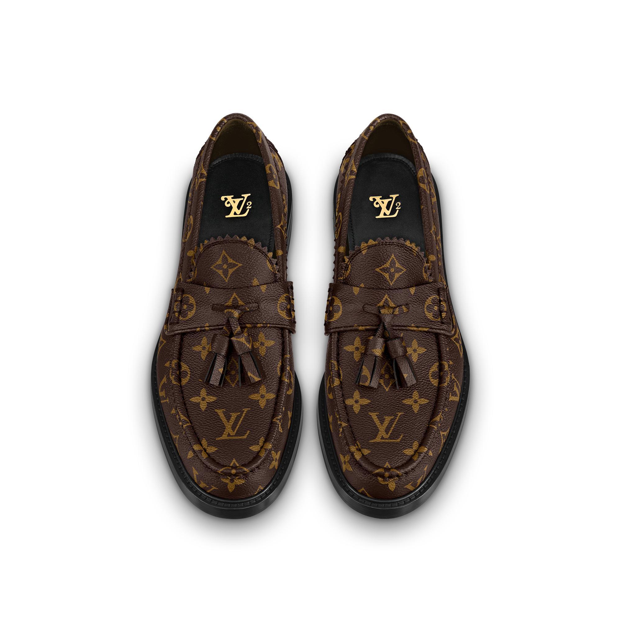 유럽직배송 루이비통 LOUIS VUITTON Voltaire Loafers 1A7YGX