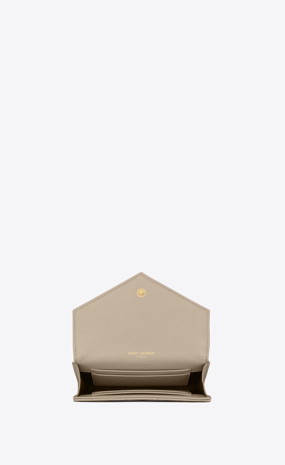유럽직배송 입생로랑 SAINT LAURENT MONOGRAM SMALL ENVELOPE WALLET IN GRAIN DE POUDRE EMBOSSED LEATHER 414404BOW019607
