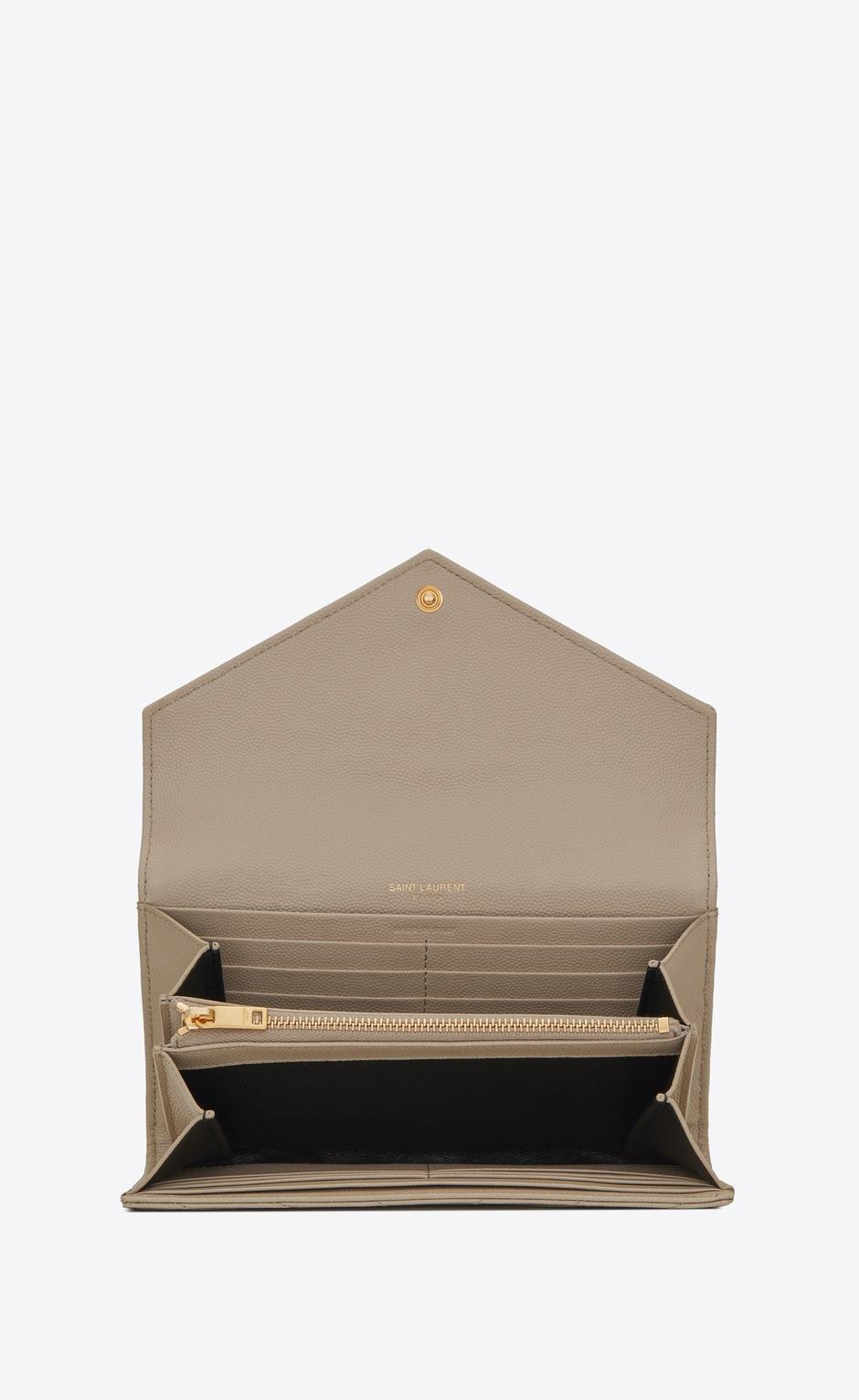 유럽직배송 입생로랑 SAINT LAURENT MONOGRAM LARGE FLAP WALLET IN GRAIN DE POUDRE EMBOSSED LEATHER 372264BOW019607
