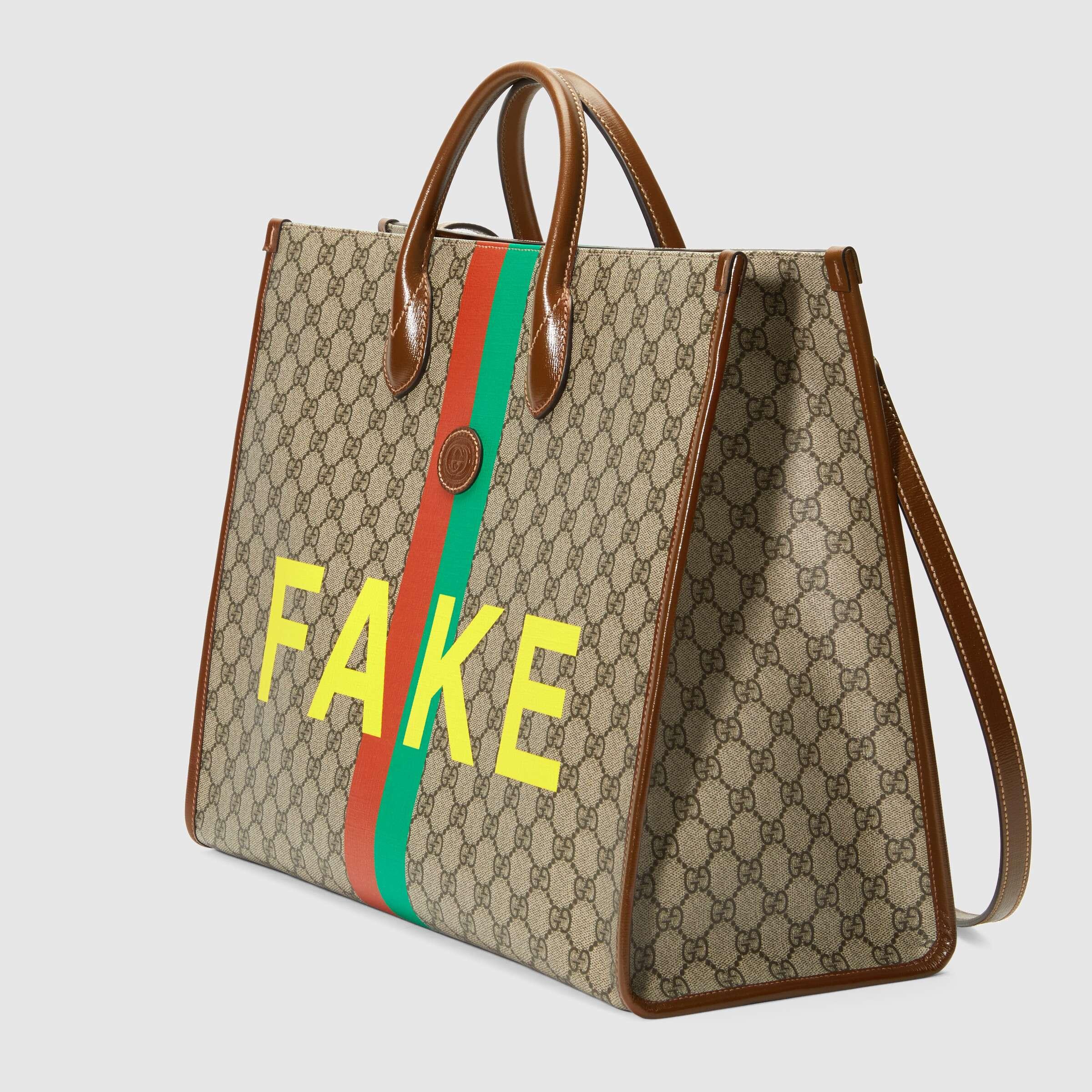 유럽직배송 구찌 GUCCI Gucci 'Fake/Not' print large tote bag 6303532GCAG8280