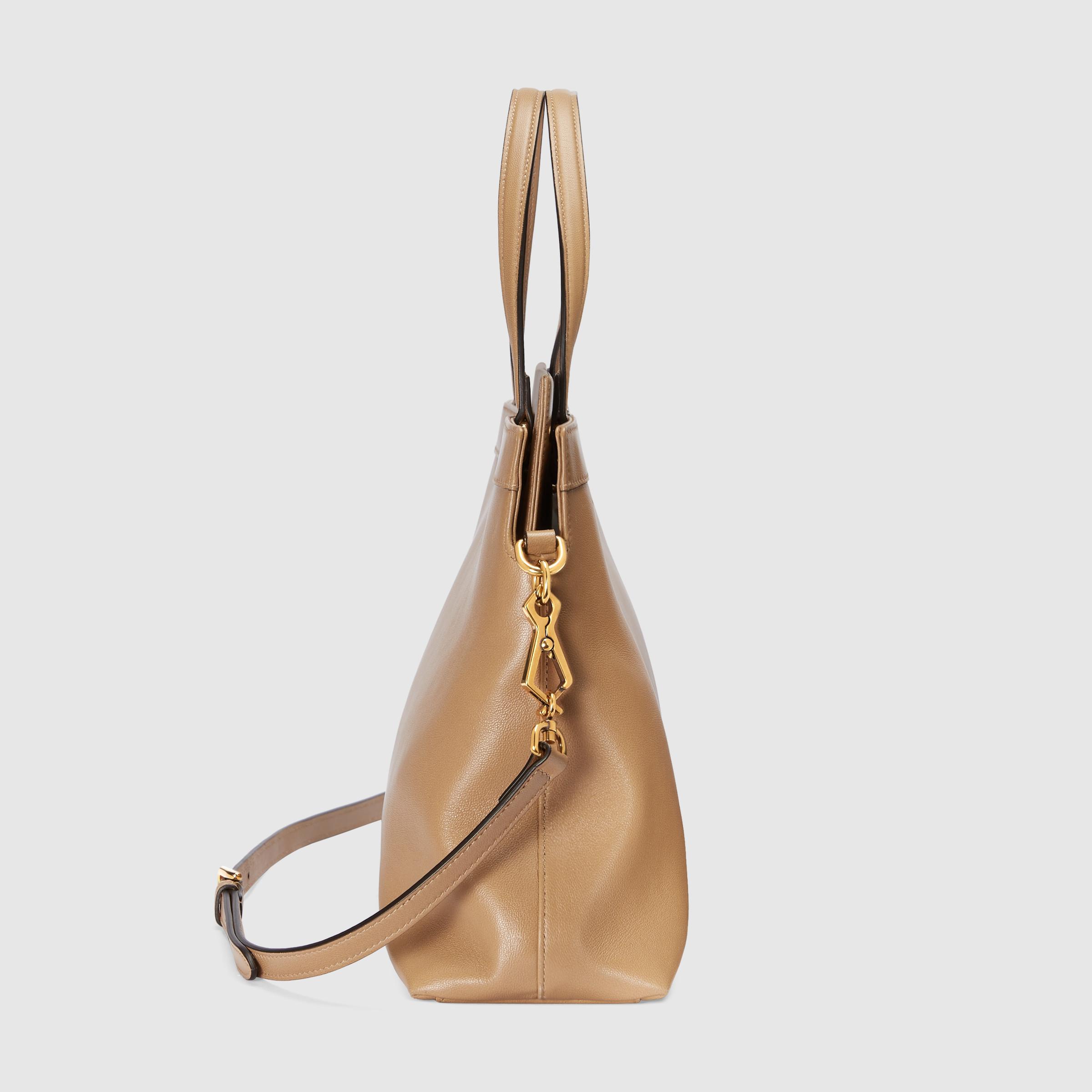 유럽직배송 구찌 GUCCI Gucci Leather medium top handle with Interlocking G 6305951W10X2845