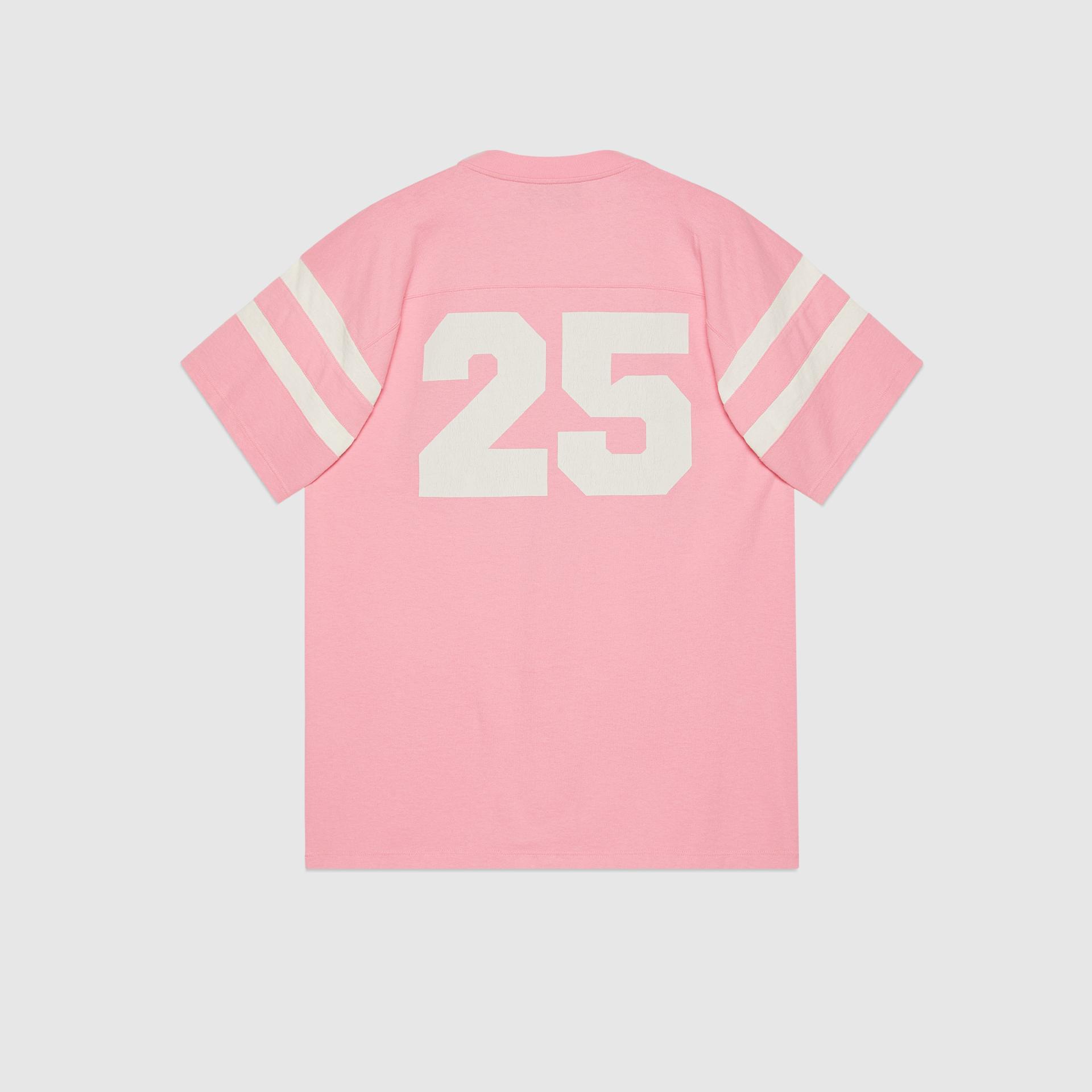 유럽직배송 구찌 GUCCI Gucci - T-shirt with '25 Gucci Eschatology in Pink 1921' print 655459XJDLY5904