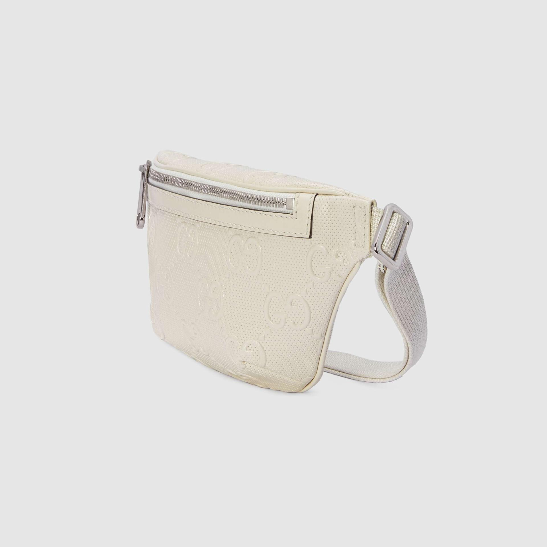 유럽직배송 구찌 GUCCI Gucci GG embossed belt bag 6585821W3CN9022
