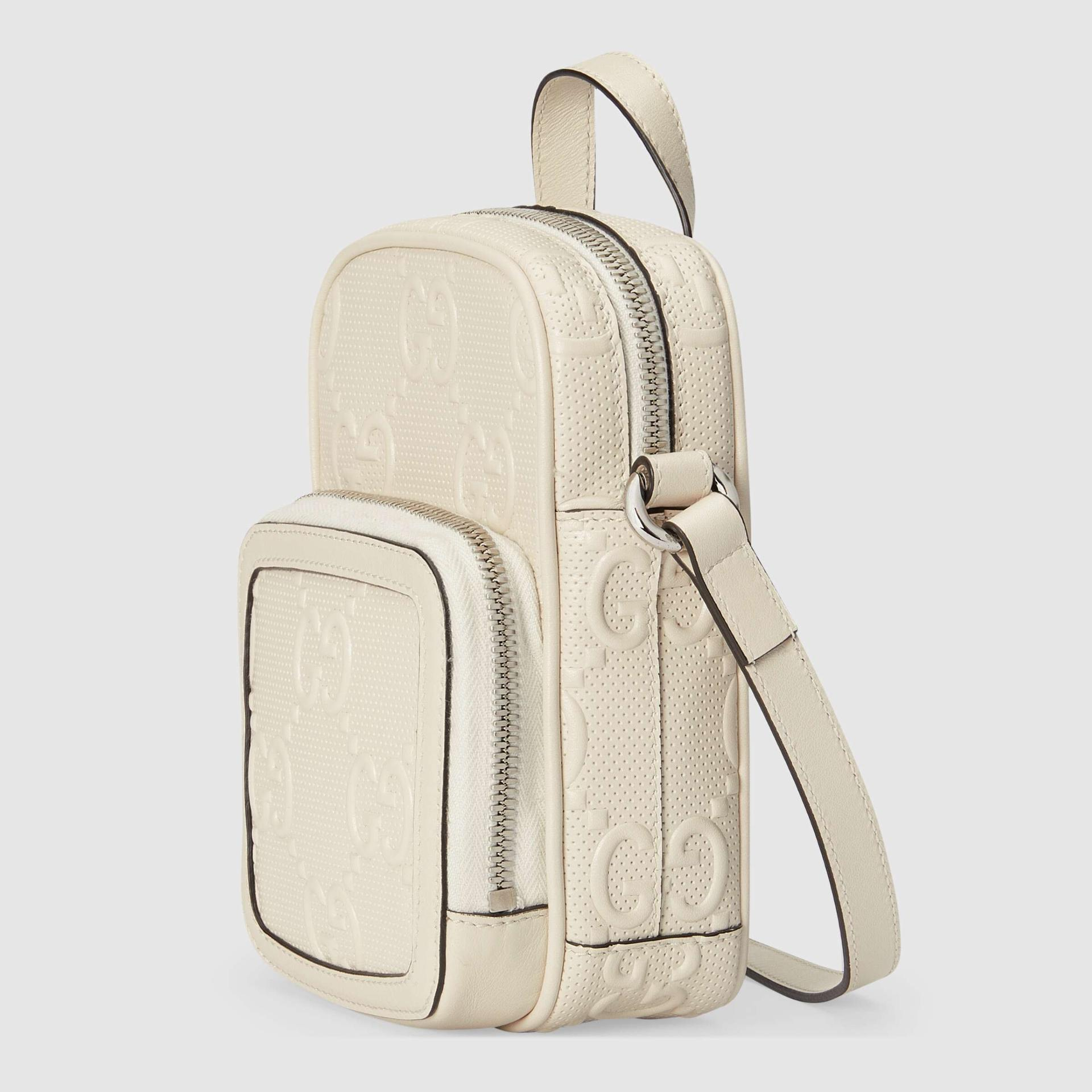 유럽직배송 구찌 GUCCI Gucci GG embossed mini bag 6585531W3AN9022