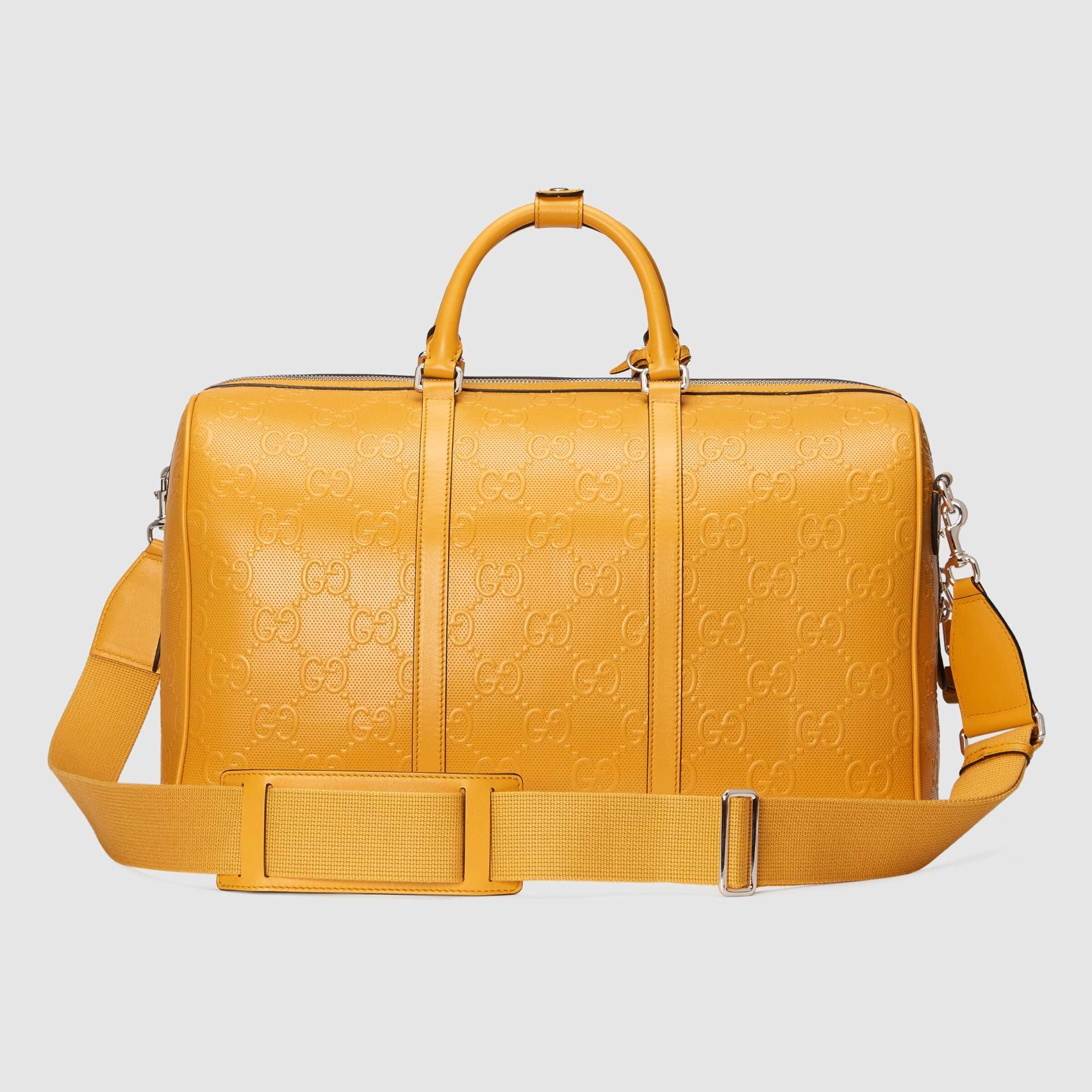 유럽직배송 구찌 GUCCI Gucci GG embossed duffle bag 6257681W3CN7636